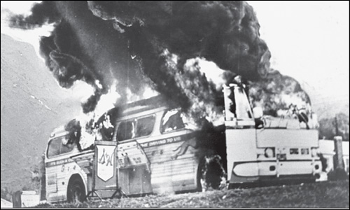 anniston-bus-in-flames.jpg