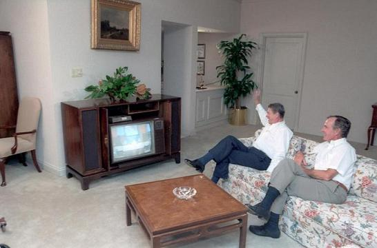 reagan-bush-watching-tv2.JPG