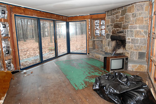 nixon-saddle-river-tv-floor.jpg