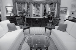 reagan-library-discovery-center-oval-office.jpg
