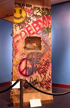 reagan-berlin-wall-indoors.jpg