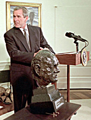 bush-churchill-bust.jpg