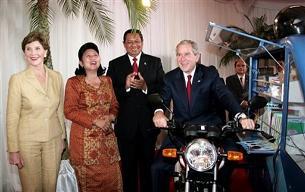 bush-motercycle-indonesia-2006.jpg