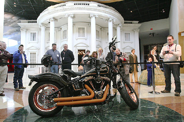 lincoln-the-circuit-rider-custom-harley-davidson-abraham-lincoln-presidential-museum.jpg